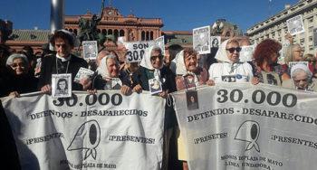 Las Madres de Plaza de Mayo cumplen 40 años de lucha inclaudicable